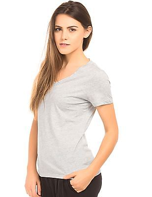 Nautica V-Neck Classic Fit T-Shirt