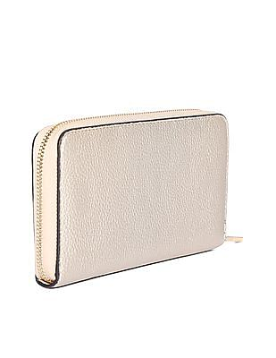 Stride Textured Zip Up Wallet
