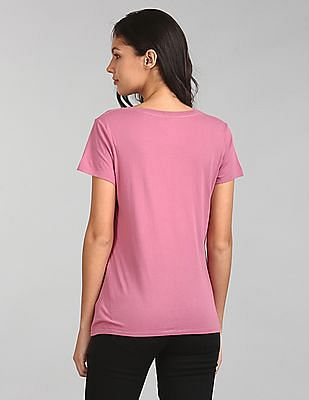 GAP Women Pink Short Sleeve V-Neck T-Shirt In Vintage Wash