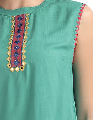 Bronz Embroidered Round Neck Tunic